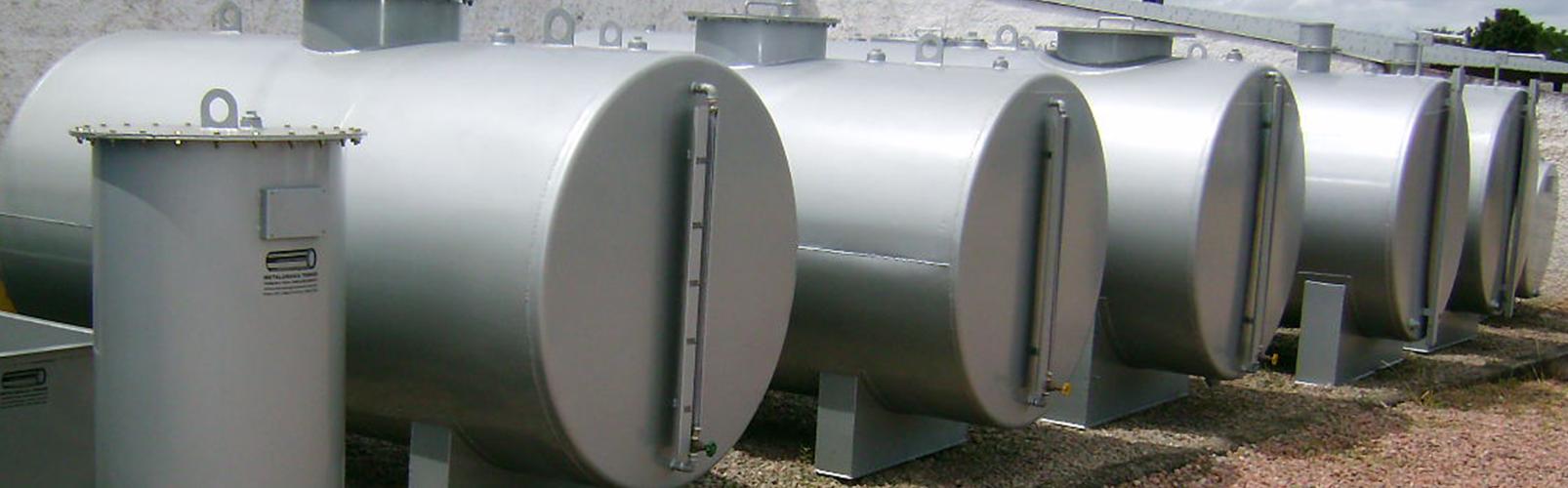 Especializada na fabricação e manutenção de tanques para<br>armazenamento de líquidos em geral