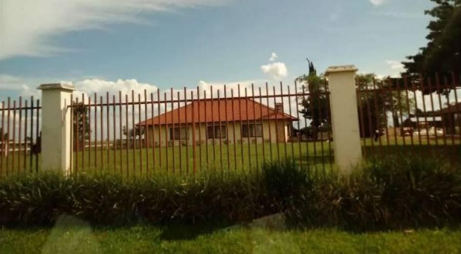 Venda - Casa - 2 suítes - 208,55m² - CARAMBEI