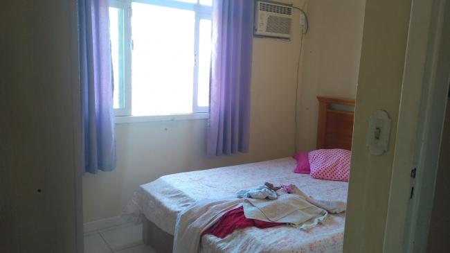 RO-CAMBORIU-62  Casa em alvenaria, 3 dormitórios. Possui uma